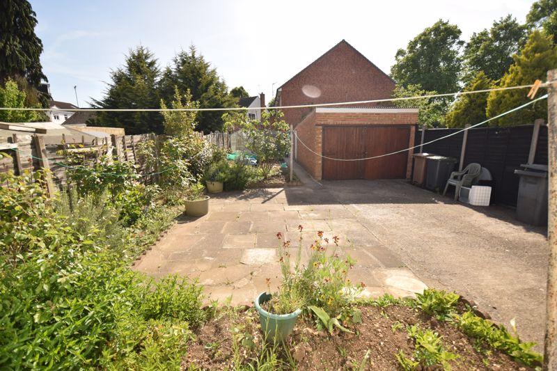 3 bedroom Semi-Detached  to buy in Beechwood Road, Luton - Photo 13