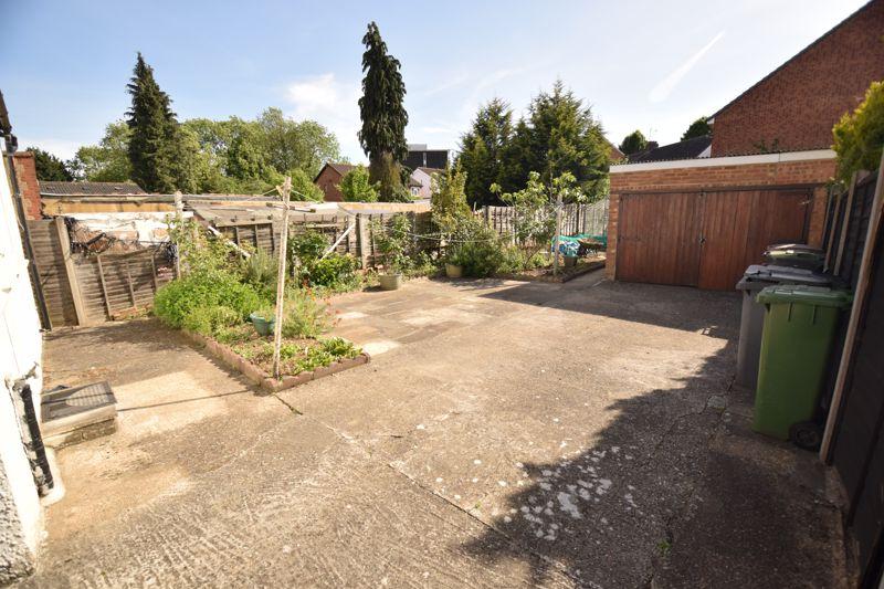 3 bedroom Semi-Detached  to buy in Beechwood Road, Luton - Photo 14