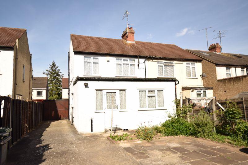 3 bedroom Semi-Detached  to buy in Beechwood Road, Luton - Photo 15