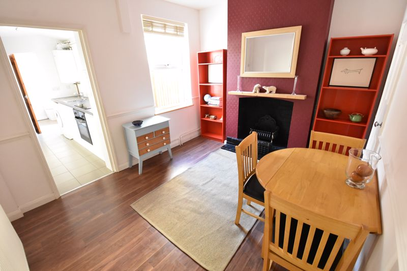 2 bedroom Mid Terrace to rent in North Street, Luton - Photo 19