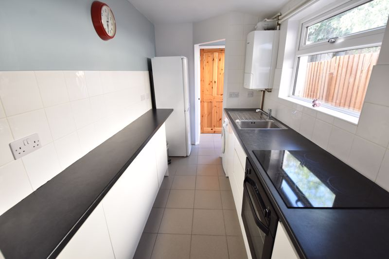 2 bedroom Mid Terrace to rent in North Street, Luton - Photo 22
