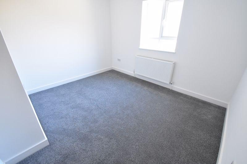 2 bedroom Maisonette to buy in Kingham Way, Luton - Photo 17