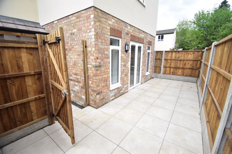 2 bedroom Maisonette to buy in Kingham Way, Luton - Photo 18