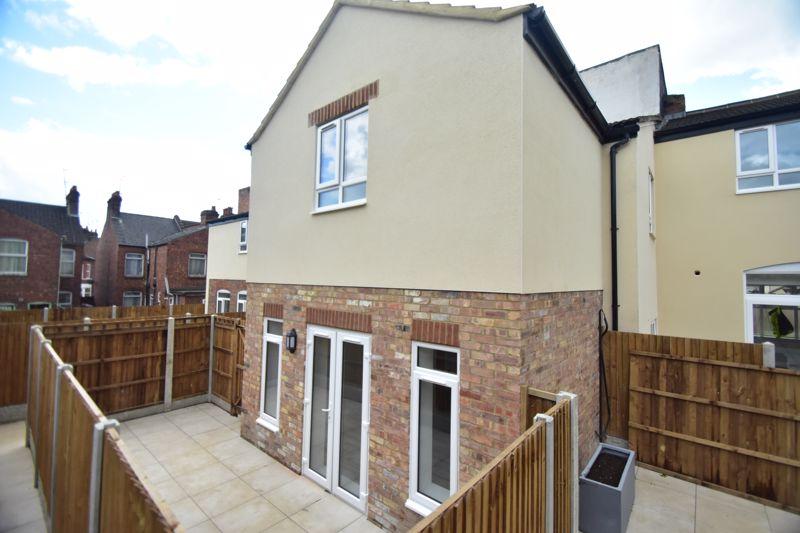 2 bedroom Maisonette to buy in Kingham Way, Luton - Photo 20