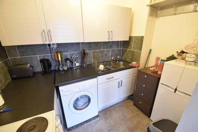 1 bedroom Flat to rent in Buxton Road, Luton - Photo 2