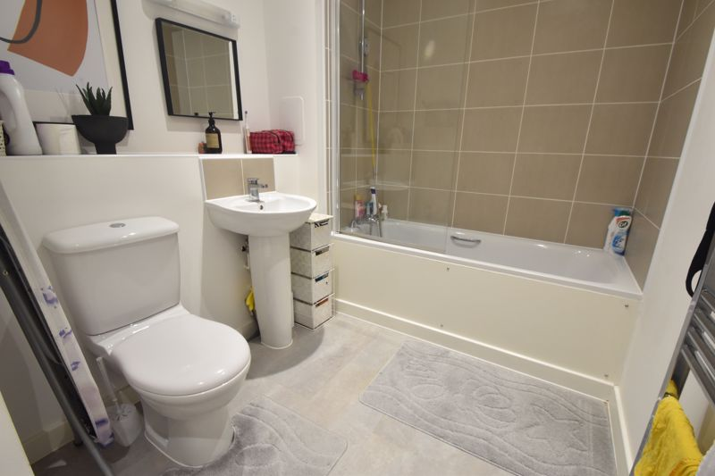 2 bedroom Apartment / Studio to buy in Union Street, Luton - Photo 6