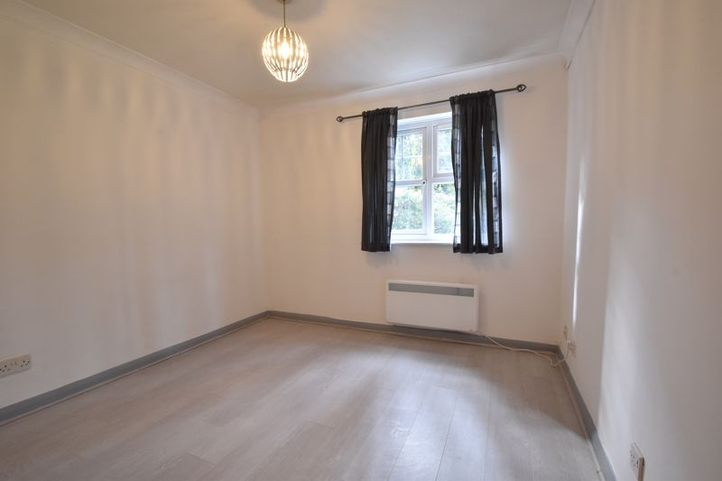 1 bedroom Apartment / Studio to buy in Barons Court, Earls Meade, Luton - Photo 17