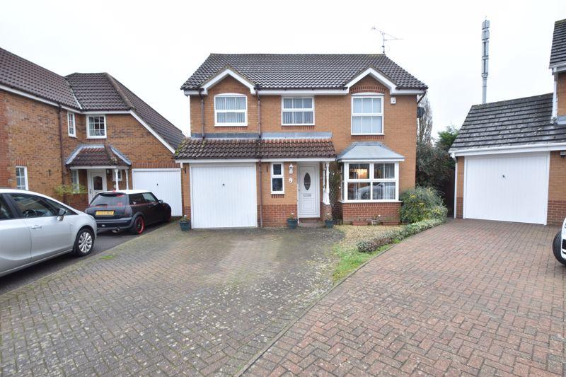 5 bedroom Detached  to buy in Gatehill Gardens, Luton