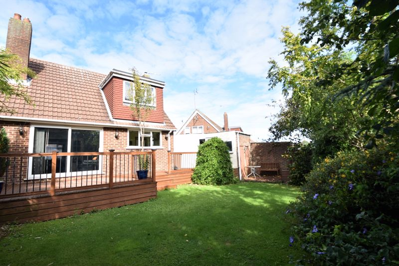2 bedroom Semi-Detached  to buy in Wadhurst Avenue, Luton - Photo 3