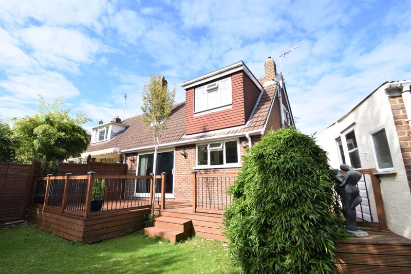 2 bedroom Semi-Detached  to buy in Wadhurst Avenue, Luton - Photo 4