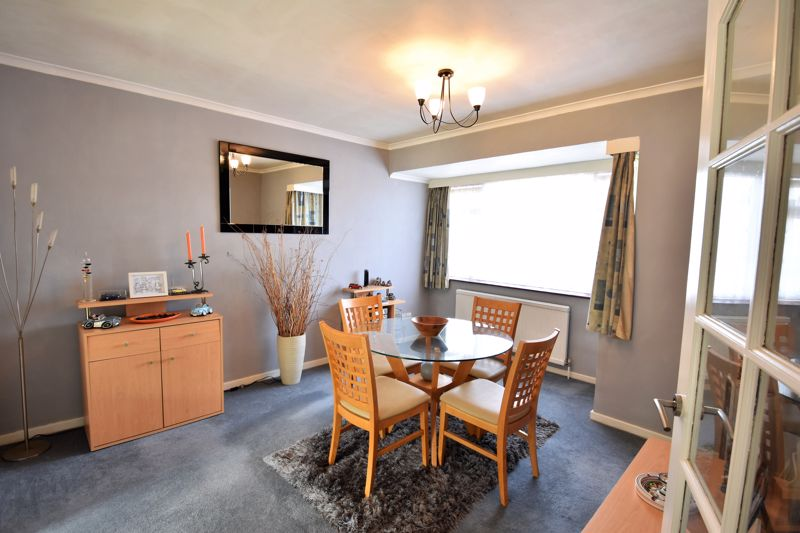 2 bedroom Semi-Detached  to buy in Wadhurst Avenue, Luton - Photo 5