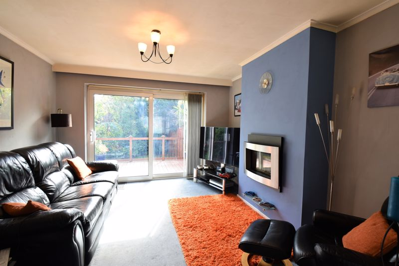 2 bedroom Semi-Detached  to buy in Wadhurst Avenue, Luton - Photo 6