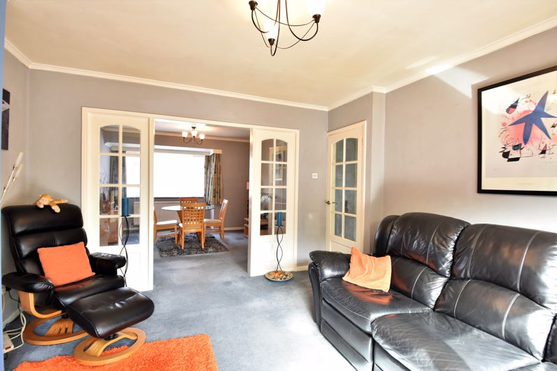 2 bedroom Semi-Detached  to buy in Wadhurst Avenue, Luton - Photo 7