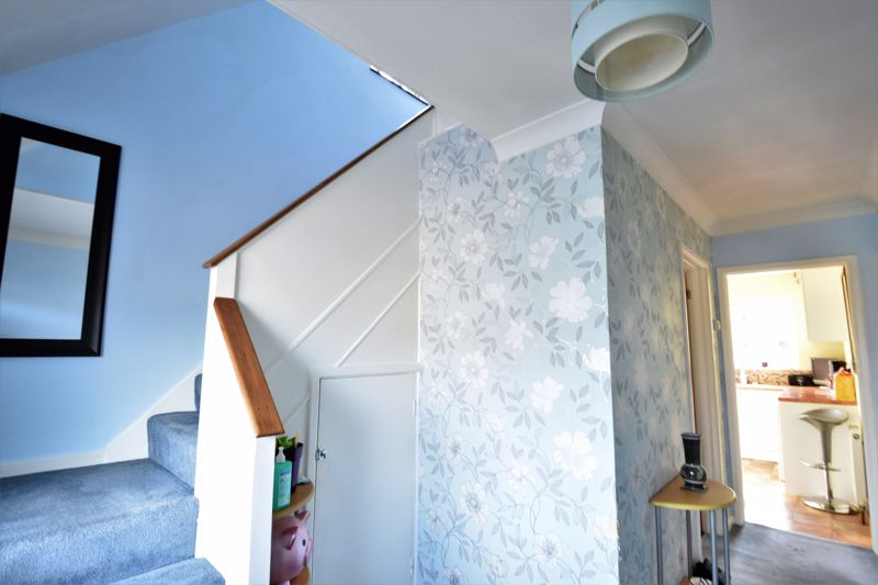 2 bedroom Semi-Detached  to buy in Wadhurst Avenue, Luton - Photo 11