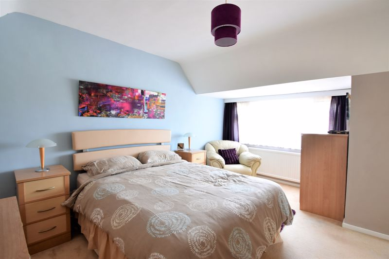 2 bedroom Semi-Detached  to buy in Wadhurst Avenue, Luton - Photo 13
