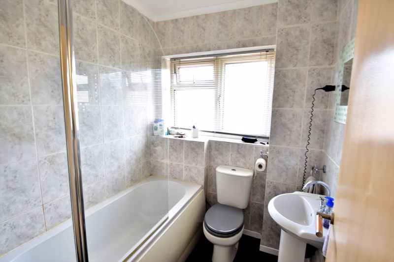 2 bedroom Semi-Detached  to buy in Wadhurst Avenue, Luton - Photo 14