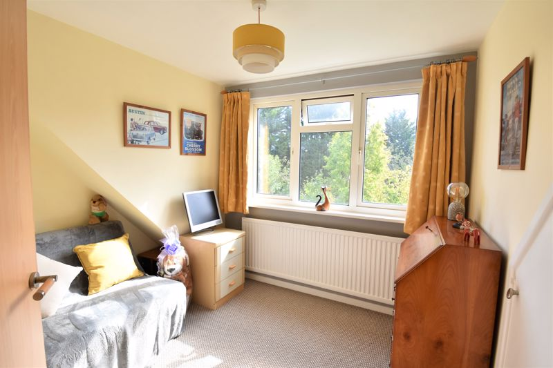2 bedroom Semi-Detached  to buy in Wadhurst Avenue, Luton - Photo 15