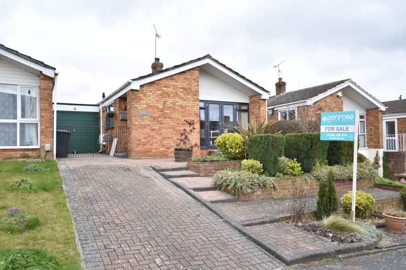 2 bedroom Bungalow to buy in Gayland Avenue, Luton - Photo 1