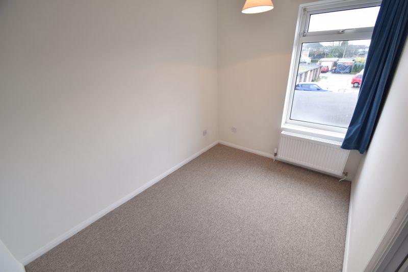 2 bedroom Mid Terrace to rent in Fareham Way, Dunstable - Photo 16