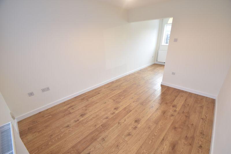 2 bedroom Mid Terrace to rent in Fareham Way, Dunstable - Photo 18