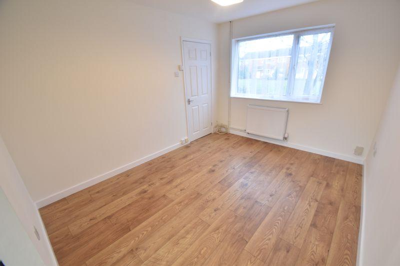 2 bedroom Mid Terrace to rent in Fareham Way, Dunstable - Photo 19