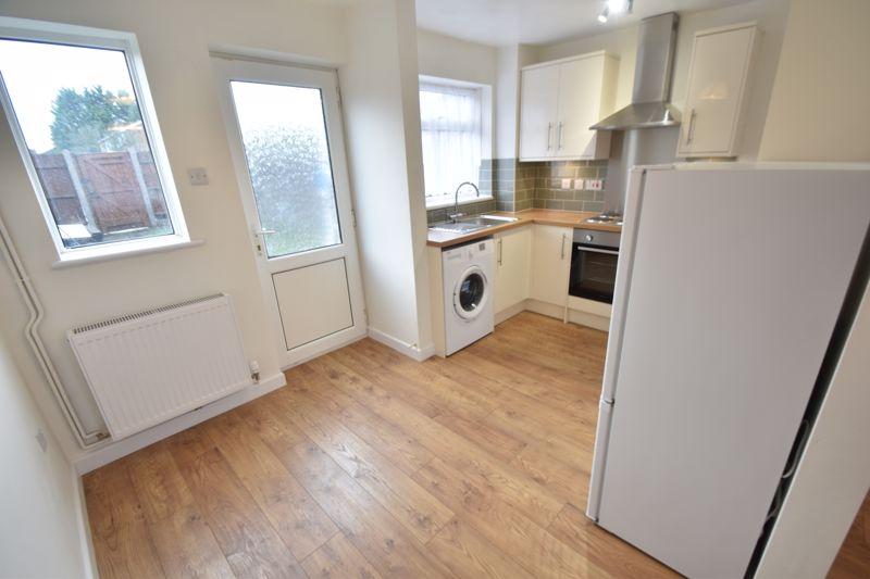 2 bedroom Mid Terrace to rent in Fareham Way, Dunstable - Photo 20