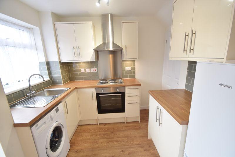 2 bedroom Mid Terrace to rent in Fareham Way, Dunstable - Photo 22