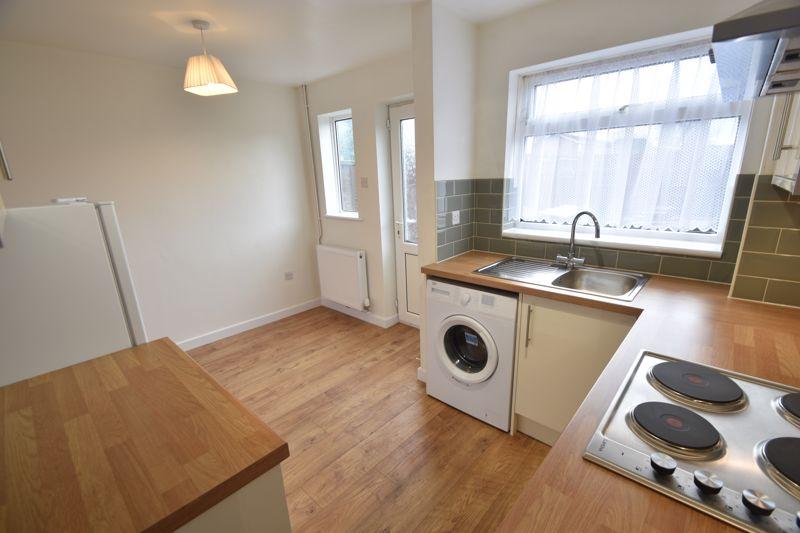 2 bedroom Mid Terrace to rent in Fareham Way, Dunstable - Photo 23