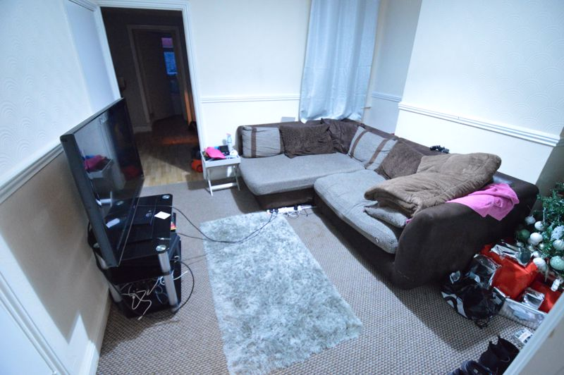 2 bedroom Flat to buy in Albert Road, Luton - Photo 9