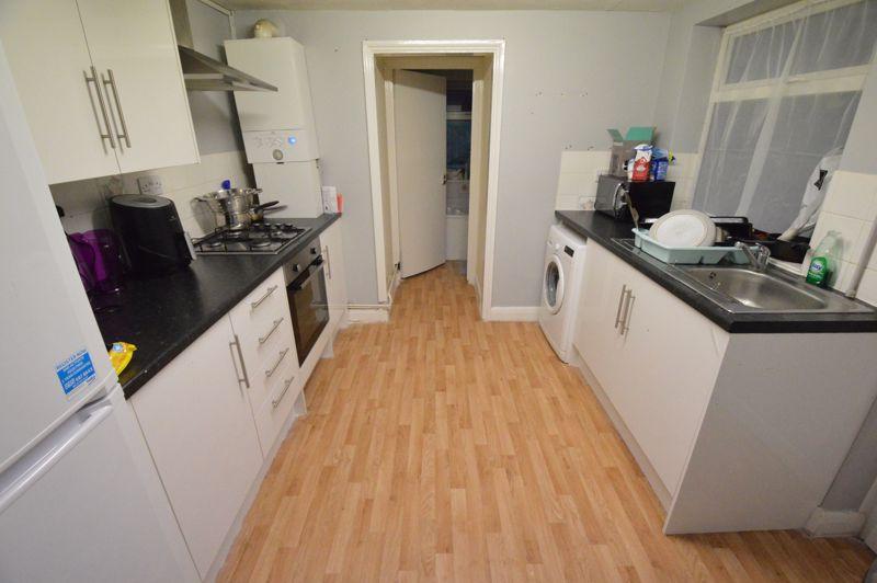 2 bedroom Flat to buy in Albert Road, Luton - Photo 10