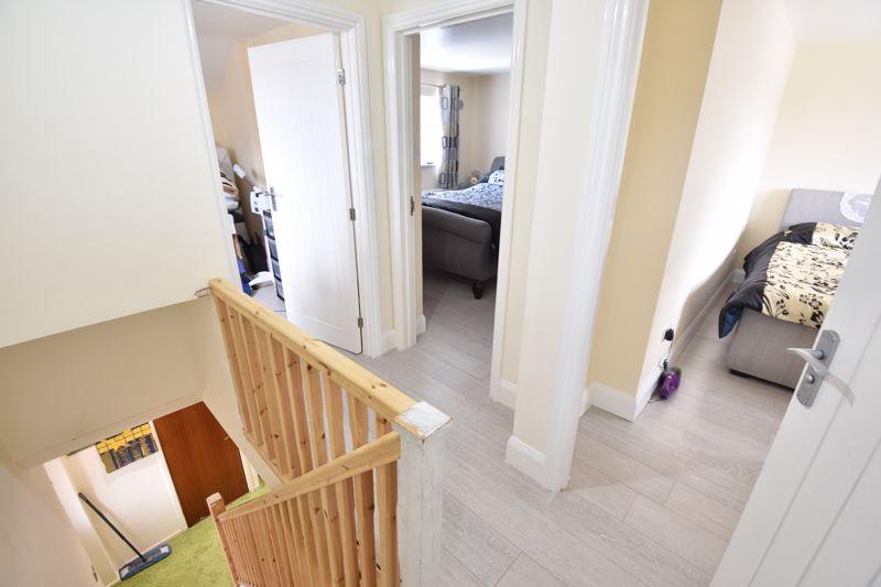 3 bedroom  to buy in Carteret Road, Luton - Photo 5