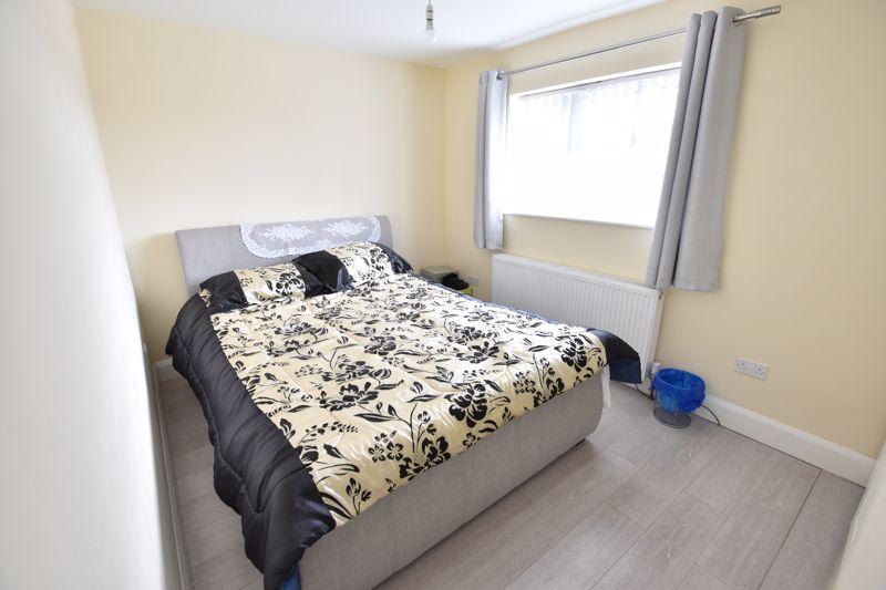 3 bedroom  to buy in Carteret Road, Luton - Photo 7