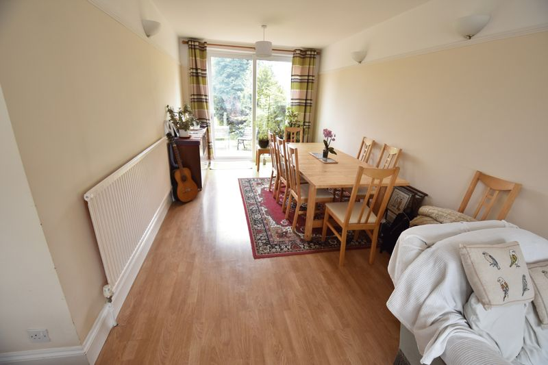 3 bedroom Semi-Detached  to buy in Stockingstone Road, Luton - Photo 3
