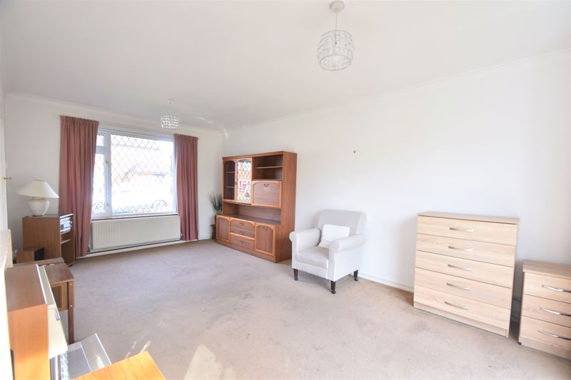 3 bedroom Semi-Detached  to buy in The Pyghtle, Luton - Photo 1