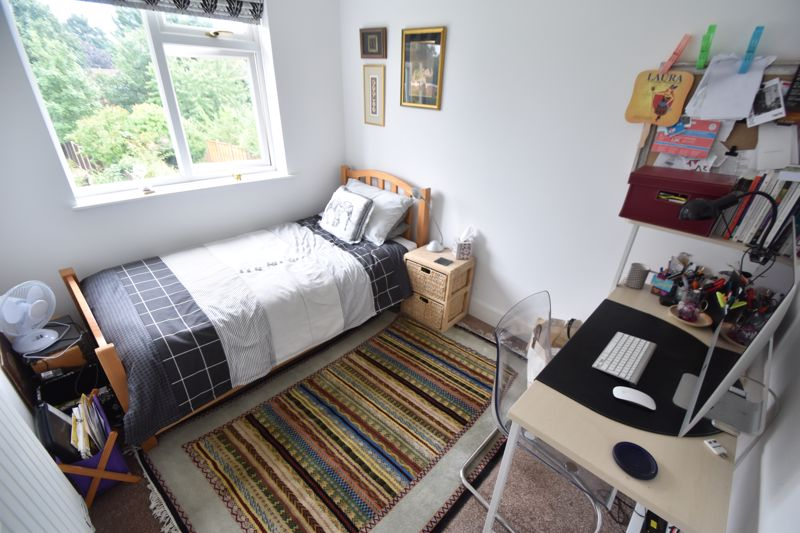 3 bedroom Semi-Detached  to buy in Richmond Hill, Luton - Photo 7