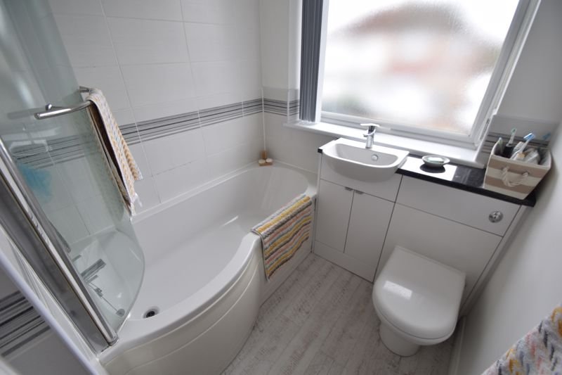 3 bedroom Semi-Detached  to buy in Richmond Hill, Luton - Photo 8