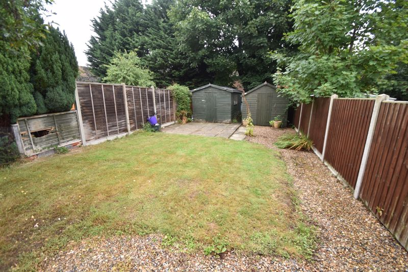 3 bedroom Semi-Detached  to buy in Richmond Hill, Luton - Photo 12