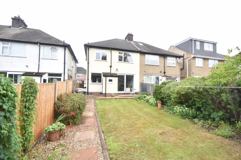 3 bedroom Semi-Detached  to buy in Richmond Hill, Luton - Photo 14