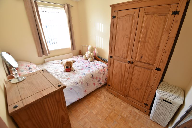 3 bedroom Detached  to buy in The Dell, Luton - Photo 11