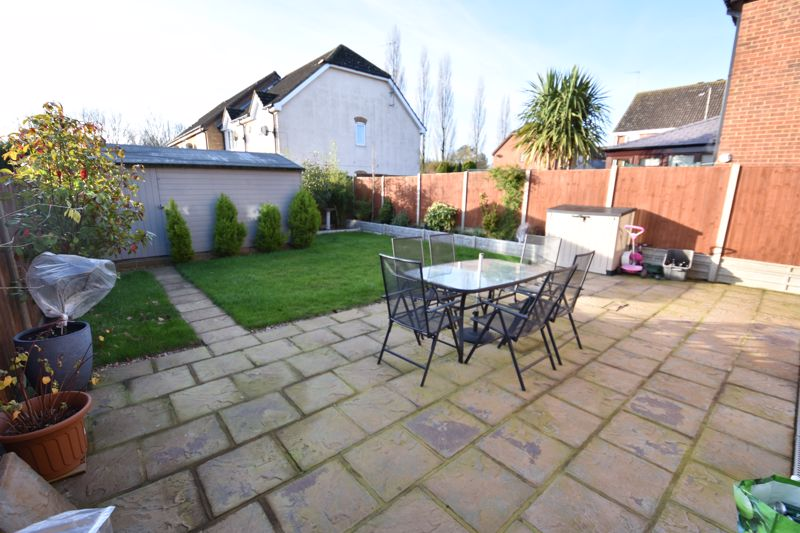3 bedroom Detached  to buy in The Dell, Luton - Photo 13