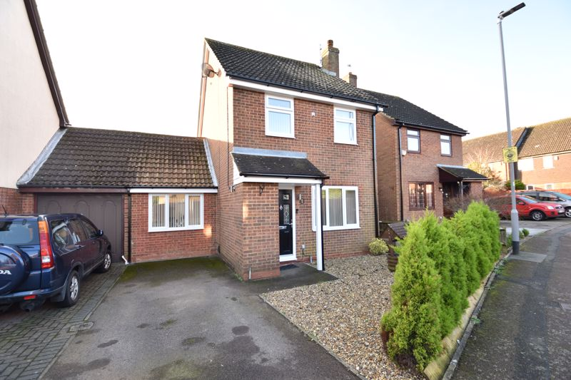 3 bedroom Detached  to buy in The Dell, Luton - Photo 1