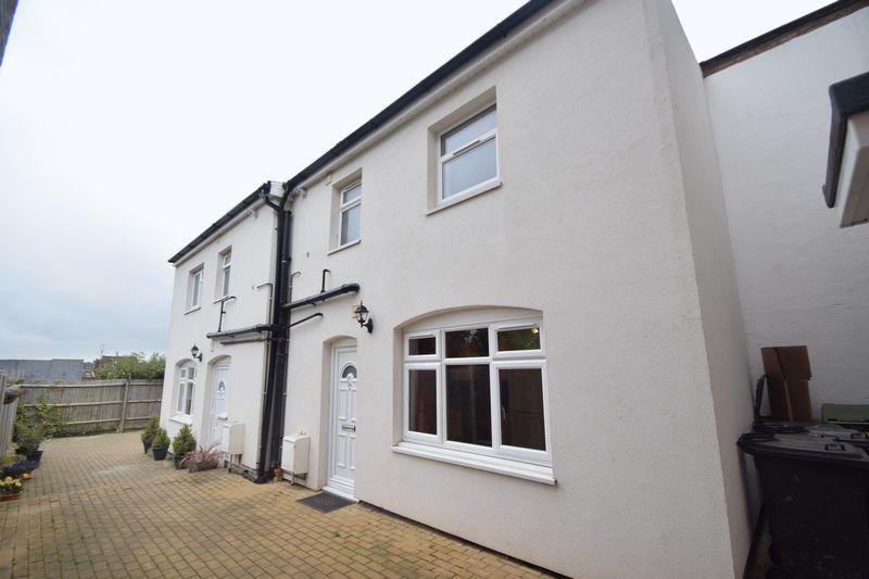1 bedroom Semi-Detached  to rent in Jubilee Street, Luton