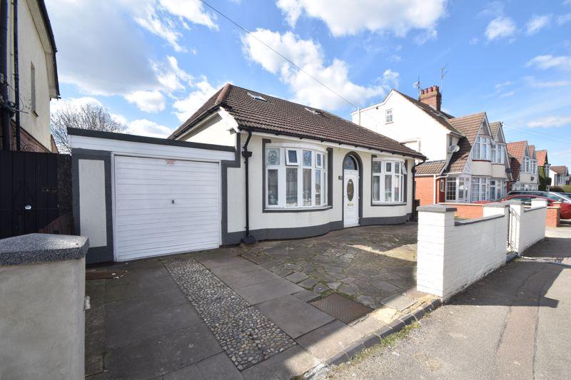 6 bedroom Detached  to buy in Arundel Road, Luton