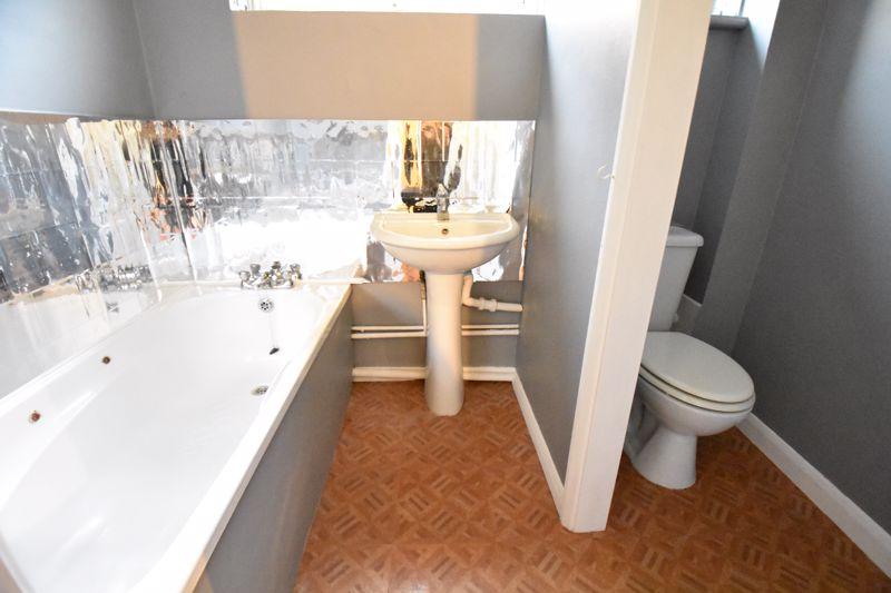 1 bedroom  to buy in Crawley Green Road, Luton - Photo 3