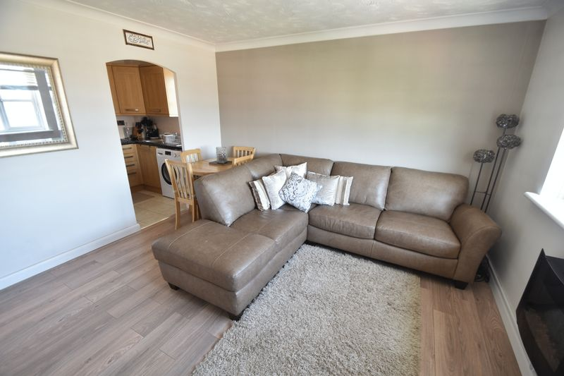 2 bedroom Flat to buy in Earls Meade, Luton - Photo 4