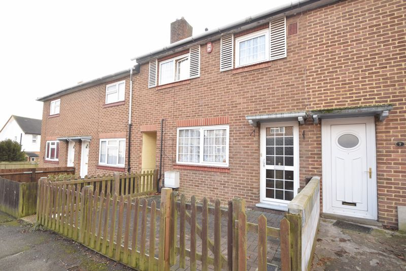 3 bedroom  to buy in Derwent Road, Luton