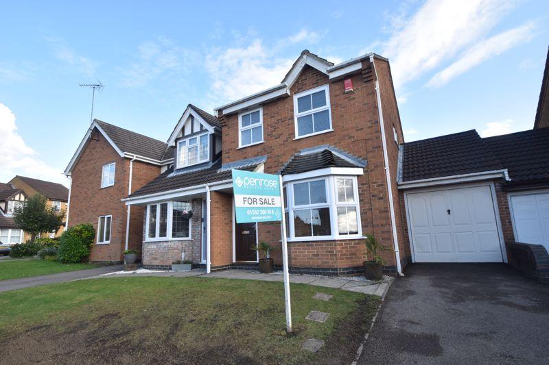 3 bedroom Semi-Detached  to buy in Lambourn Drive, Luton