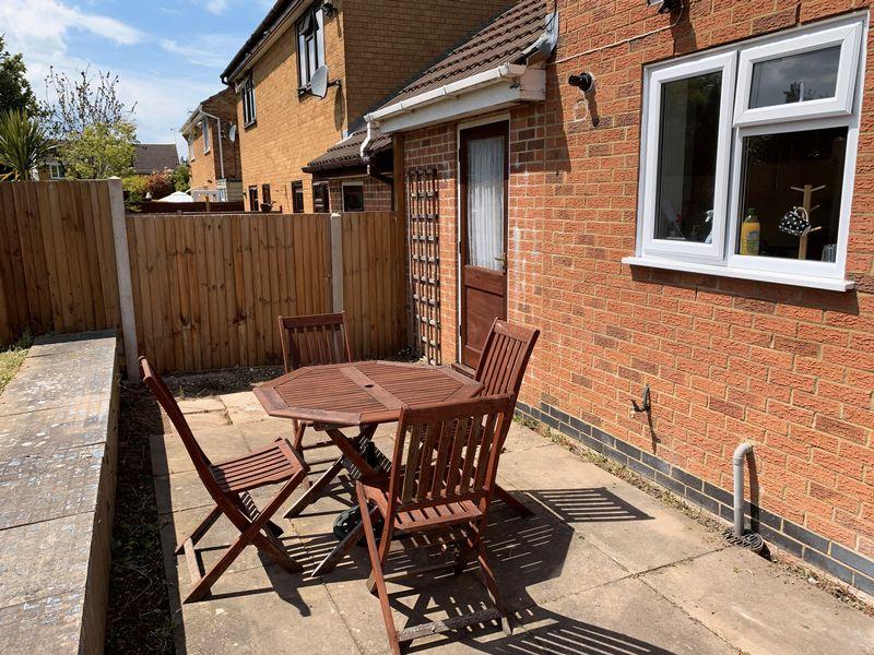 3 bedroom Semi-Detached  to buy in Lambourn Drive, Luton - Photo 13