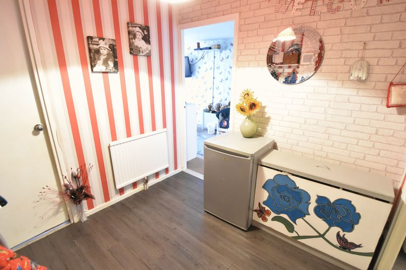 2 bedroom Apartment / Studio to buy in Essex Close, Luton - Photo 7
