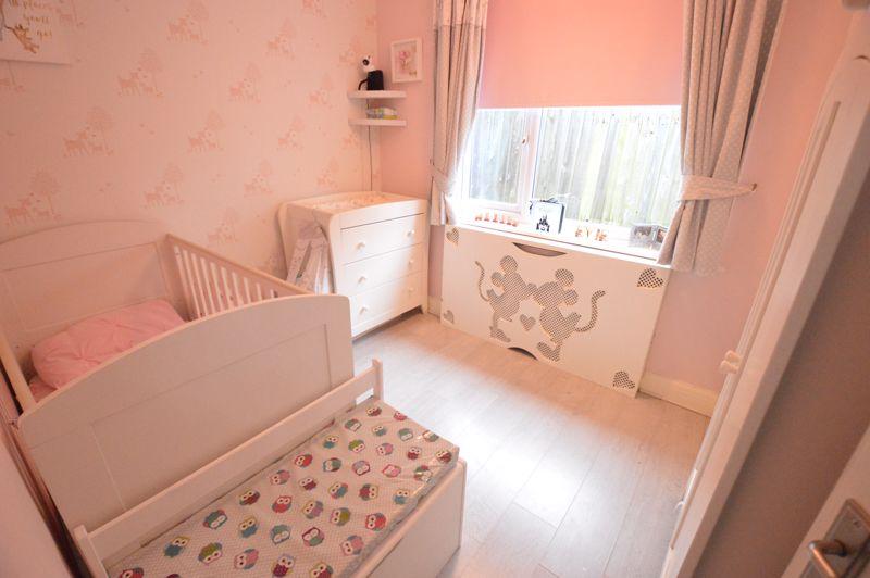 2 bedroom Detached  to buy in Crawley Green Road, Luton - Photo 8